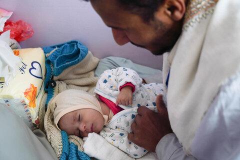 الظروف الشبيهة بالمجاعة في اليمن تجبر الأسر على أكل أوراق الأشجار
