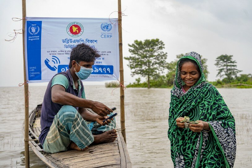 Cash assistance during floods in northern Bangladesh