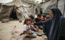 برنامج الأغذية العالمي يوسع نطاق تقديم المساعدات الغذائية في ظل تزايد الاحتياجات في غزة