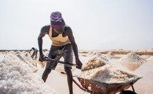 حكومة السودان وشركاؤها يجددون التزامهم بمعالجة الملح باليود