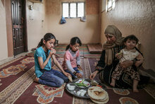 نقص التمويل يجبر برنامج الأغذية العالمي على تقليص مساعداته الغذائية في فلسطين رغم تزايد الاحتياجات