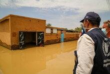 برنامج الأغذية العالمي يوسع نطاق مساعداته المقدمة للأسر التي تكافح في المناطق التي اجتاحتها الفيضانات في السودان