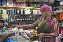 المساعدات النقدية من برنامج الأغذية العالمي والاتحاد الأوروبي تساعد في الحيلولة دون وقوع اللاجئين السوريين في تركيا داخل دائرة الفقر