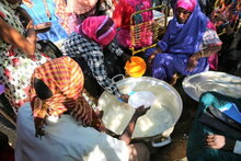 الإمارات العربية المتحدة أولى المانحين المعلنين عن دعمهم لجهود المساعدات الغذائية الطارئة للاجئين الإثيوبيين في السودان