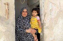 نقص التمويل يدفع برنامج الأغذية العالمي إلى تقليص المساعدات الغذائية للاجئين السوريين في الأردن