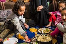 مساهمة يابانية تقدم دعماً كبيراً لعملية الطوارئ التي ينفذها برنامج الأغذية العالمي في اليمن