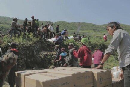 برنامج الأغذية العالمي يرسل بعثة للتقييم السريع بعد أن ضرب الزلزال الثاني نيبال