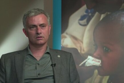 برنامج الأغذية العالمي يعين مدرب كرة القدم البرتغالي جوزيه مورينيو سفيراً لمكافحة الجوع