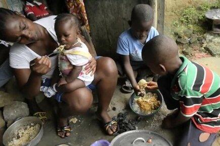 استجابة برنامج الأغذية العالمي لفيروس إيبولا