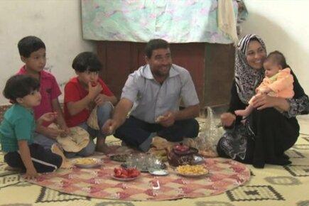 """برنامج الأغذية العالمي يطلق حملة """"72 ساعة"""" لجمع 64 مليون دولار لإنقاذ اللاجئين السوريين"""