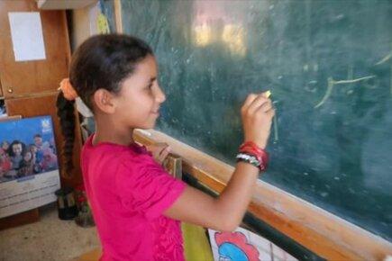 التوأمتان رحمة وشهد ترويان قصتهما مع برنامج الأغذية العالمي في مصر